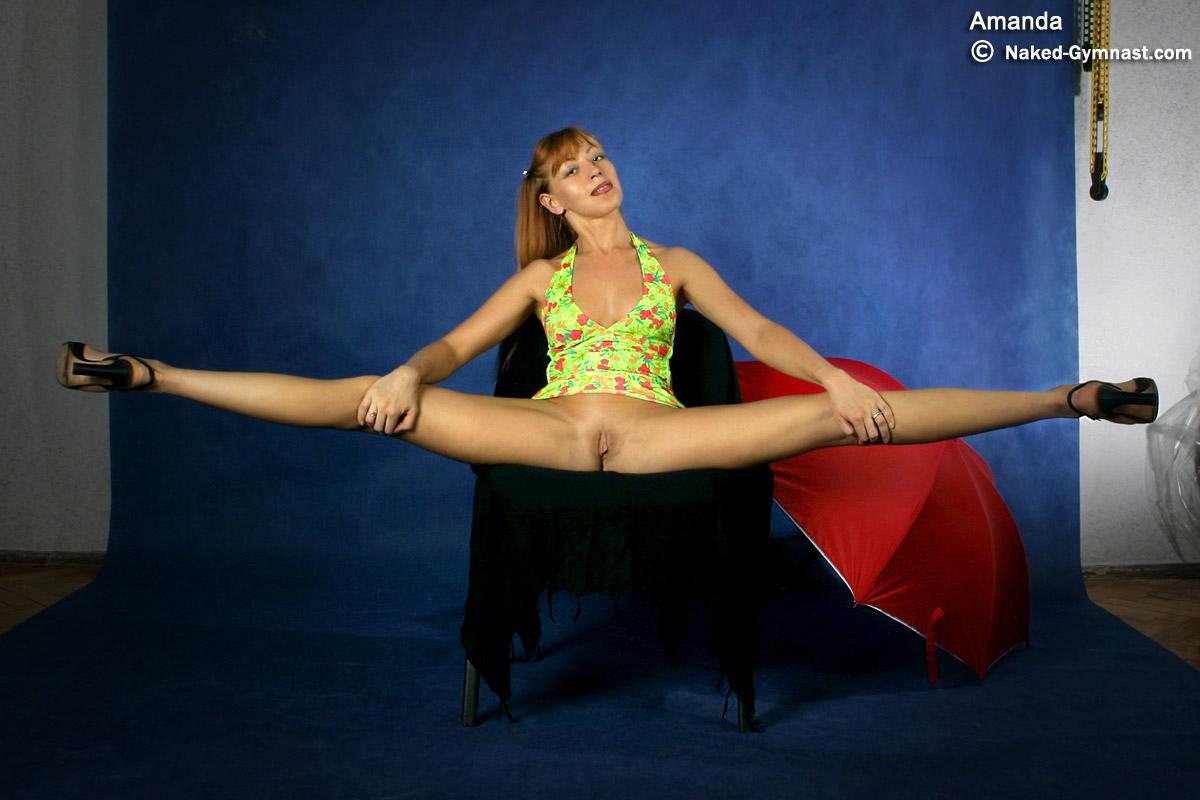 фото гимнастки с широко раздвинутыми ногами закончил школу, сдал