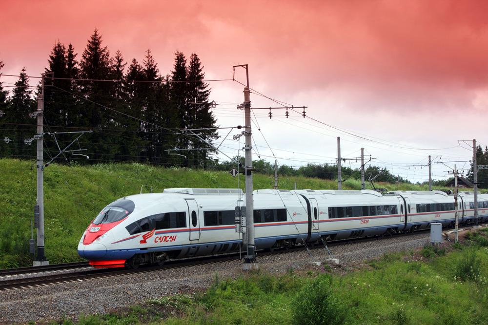 160 дополнительных поездов будут запущены между Москвой и Петербургом.