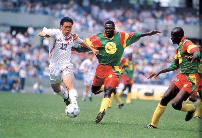 Футбол (англ. football, от foot - нога и ball - мяч) самый популярный вид спорта на планете и