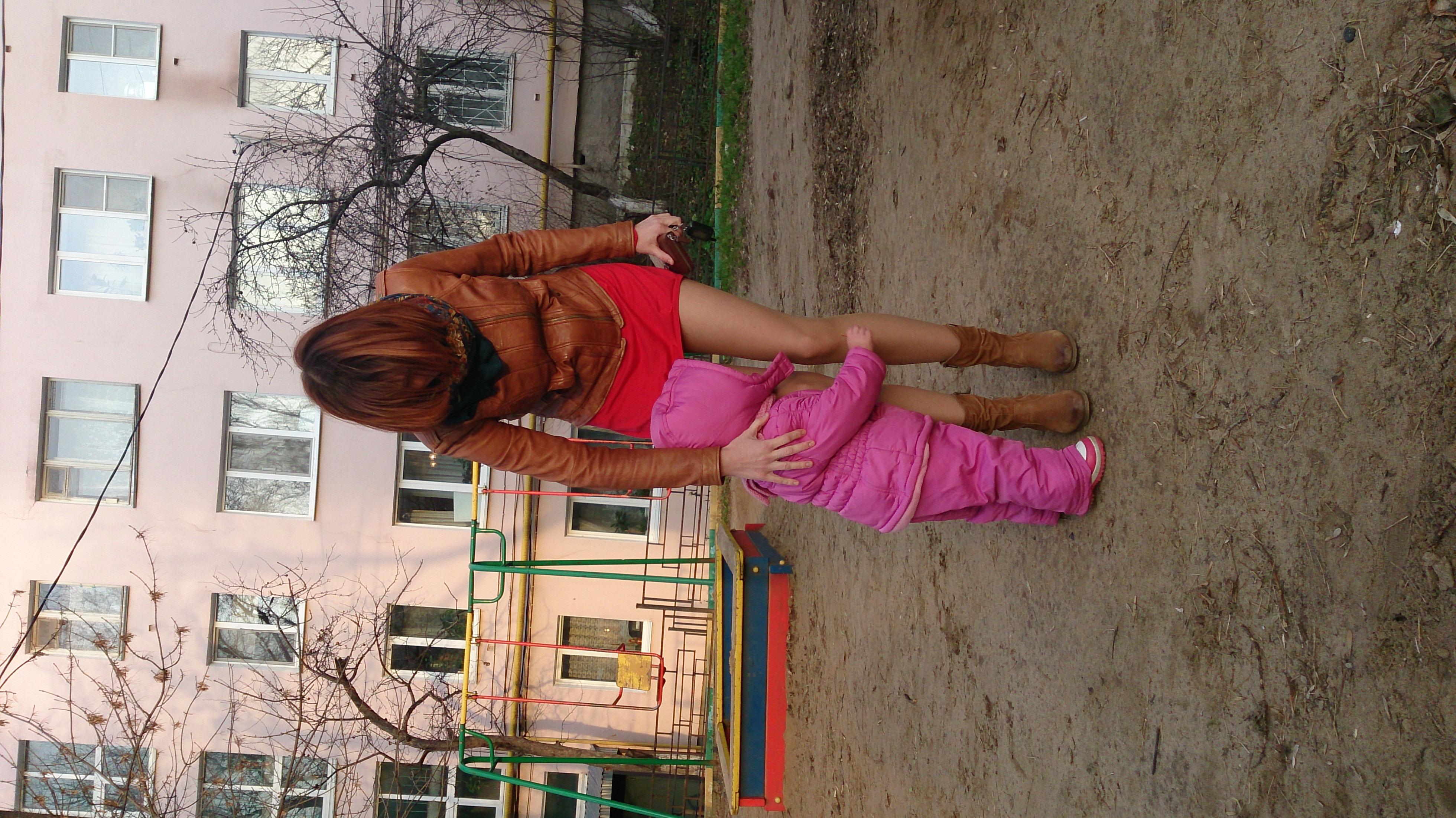 Фото девочек в коротких юбках без трусиков 9 фотография