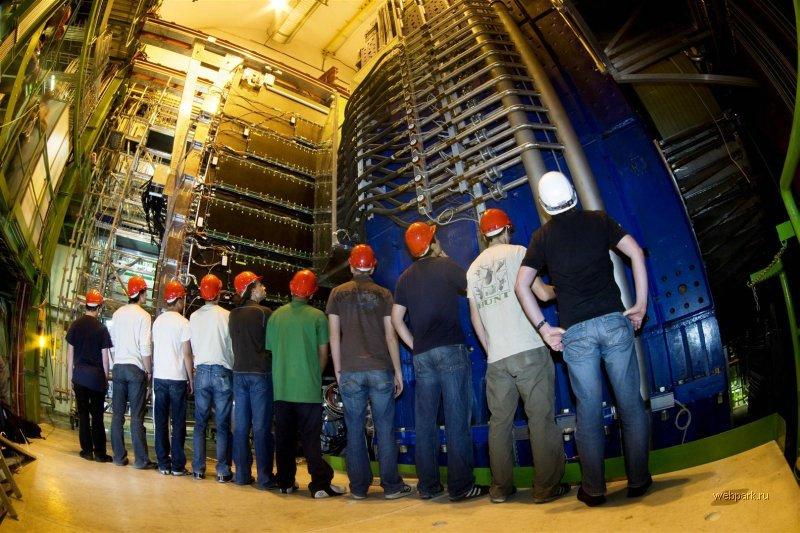 Большой адронный коллайдер возобновил работу после каникул