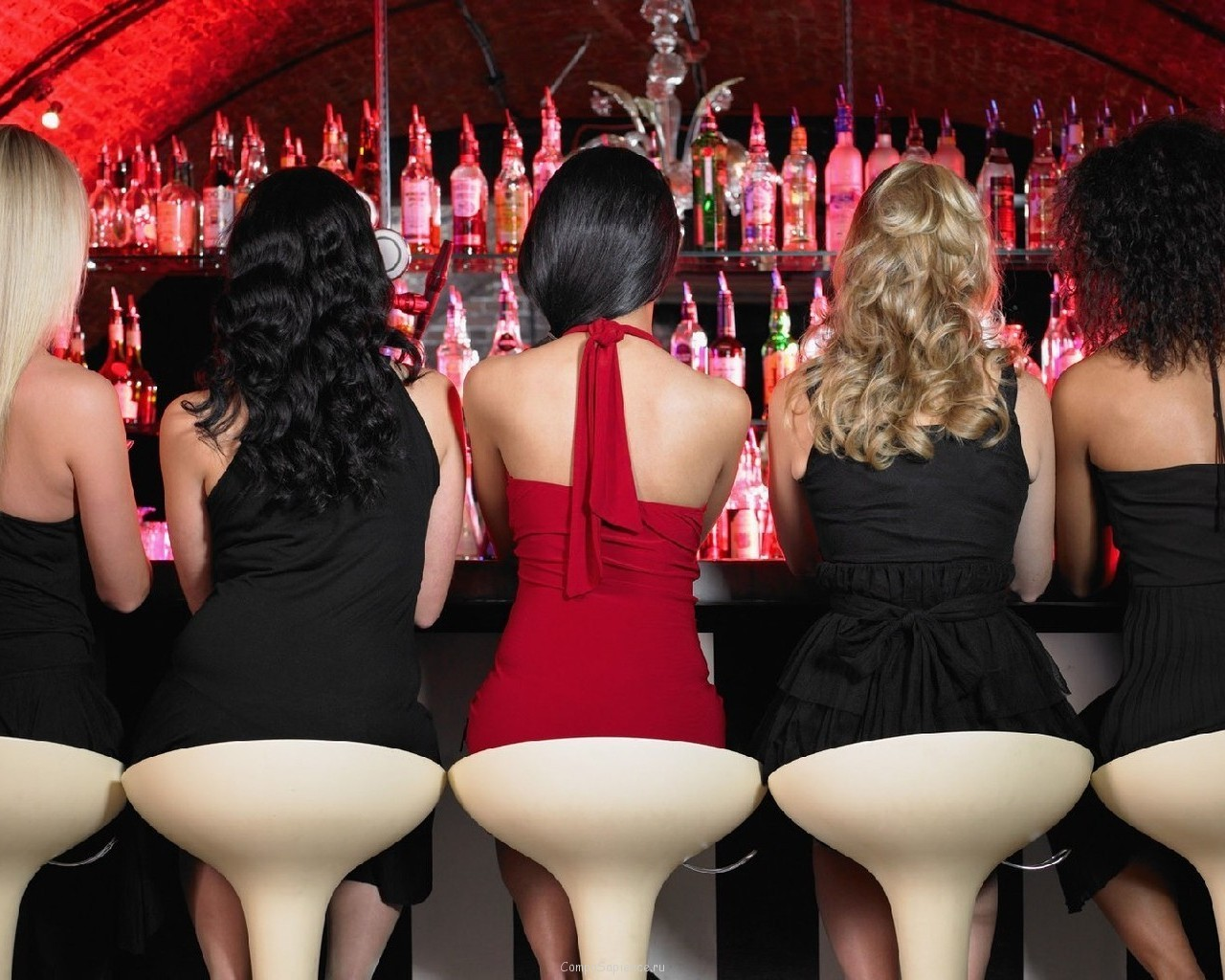 Съем девок в клубе 20 фотография