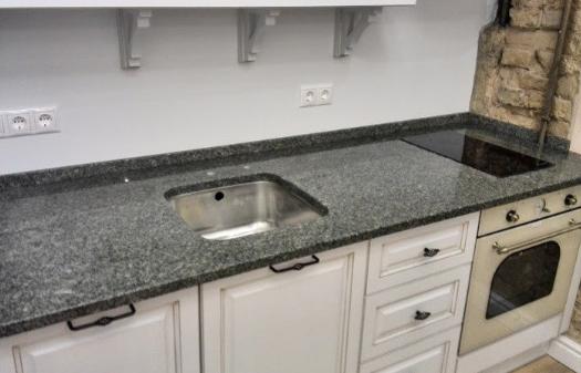 Каменные столешницы на кухню: перечень минусов и плюсов